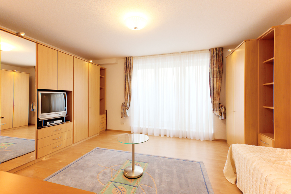 1 ZIMMER APARTMENT IN TOP LAGE